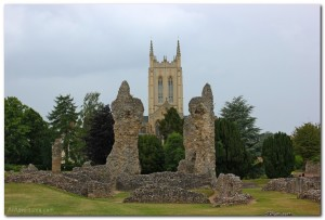 Exploring the Bury St. Edmunds Abbey Ruins in England