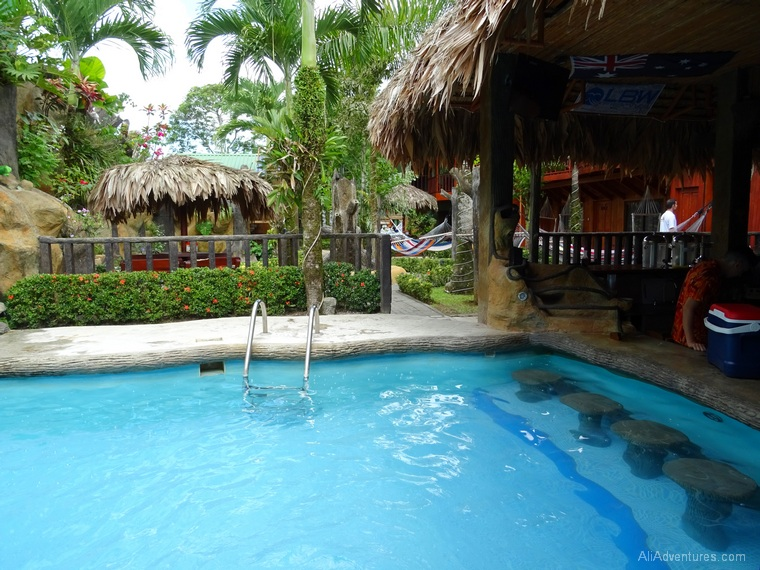 3 days in La Fortuna, Costa Rica - Arenal Resort Hostel - pool with swim up bar