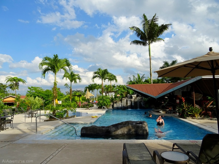 where to stay in La Fortuna, Costa Rica - Hotel Arenal Springs Resort - thermal pools and swim-up bar