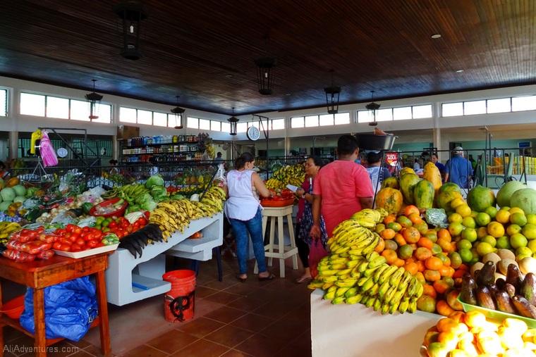 Leon Nicaragua market