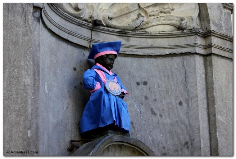 Brussels Peeing Statues